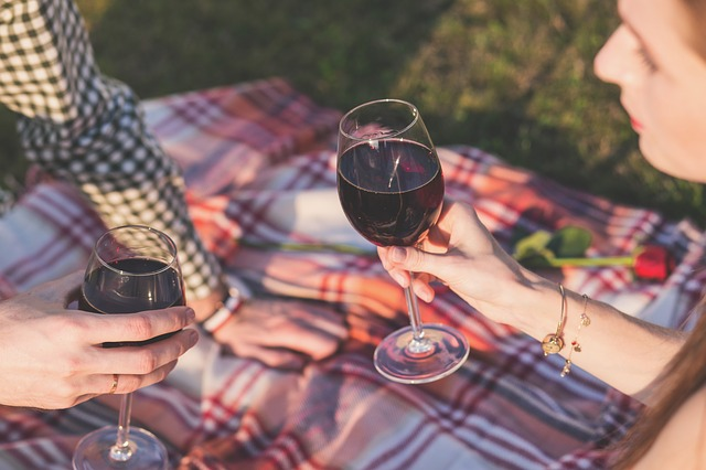 thumbnail image for blog Pack a Picnic Basket for the Fall Wine Festival & Sunset Tour at Mount Vernon