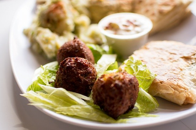 thumbnail image for blog Taïm Brings Falafel and Much More to Georgetown